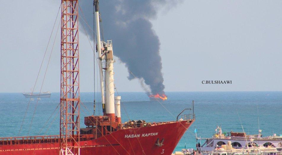 Somalia: Commercial boat catches fire off Bosaso coast, crew
